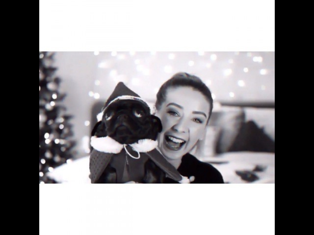 "Video Edits!¡ on Instagram: ""Yay I made another Christmas edit!! 🎄🎄 {3.12 fc;1995} - Even though this is so simple I'm in love with it. - Tag @zozeebo 💛 Zoe zoella…"""