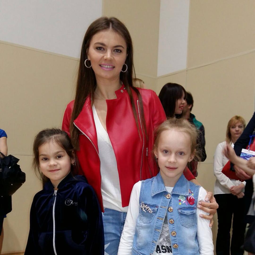 Фото кабаевой с ребенком 2018