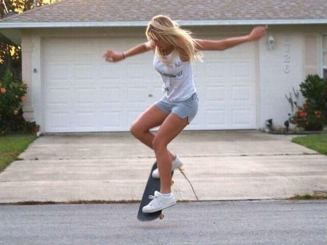 Девушки Зажигают на Скейте! (лонгборде) Трюки!