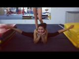 Flexible girls - side oversplits (slideshow)