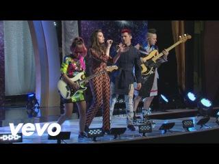 Hailee Steinfeld - Rock Bottom (Live On Good Morning America) ft. DNCE