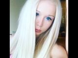 Valeria Lukyanova Amatue21 on Instagram Весь день думаю об этом ..... #cosmos #valerialukyanova #alien #amatue
