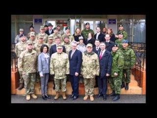 Инструкторы США обучают украинских воинов пользоваться контрбатарейными радарами Америки