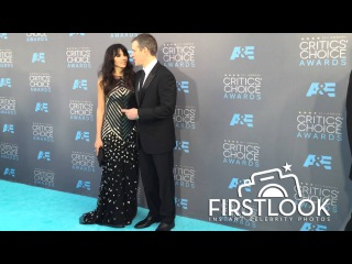 Премия Выбор Критиков 2016   Мэтт Деймон с женой   Matt Damon and wife arriving at the Critics Choice Awards