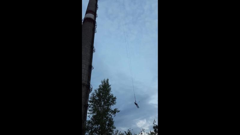 120 метров прыжок. вид с низу