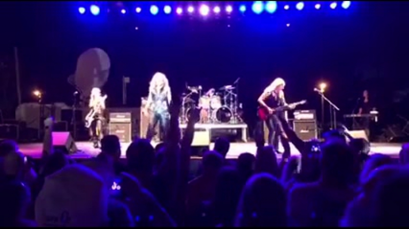 Vixen - Ain't Talkin' 'Bout Love (Van Halen Cover), Live at Watertown Riverfest 12.08.16