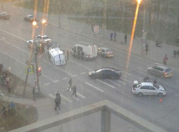 Виновником ДТП, в результате которого 10 апреля в 19:40 в Пскове у дом