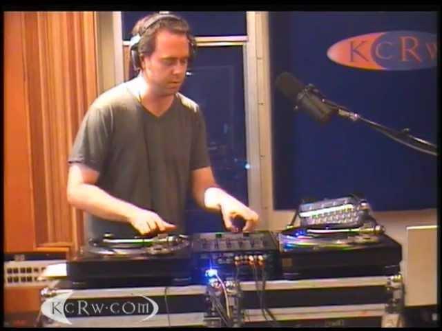 Cut Chemist Live Mix Gangsta from the Tune-Yards » Freewka.com - Смотреть онлайн в хорощем качестве