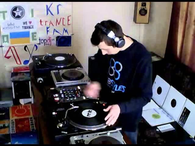 We Keep Vinyl Alive 04