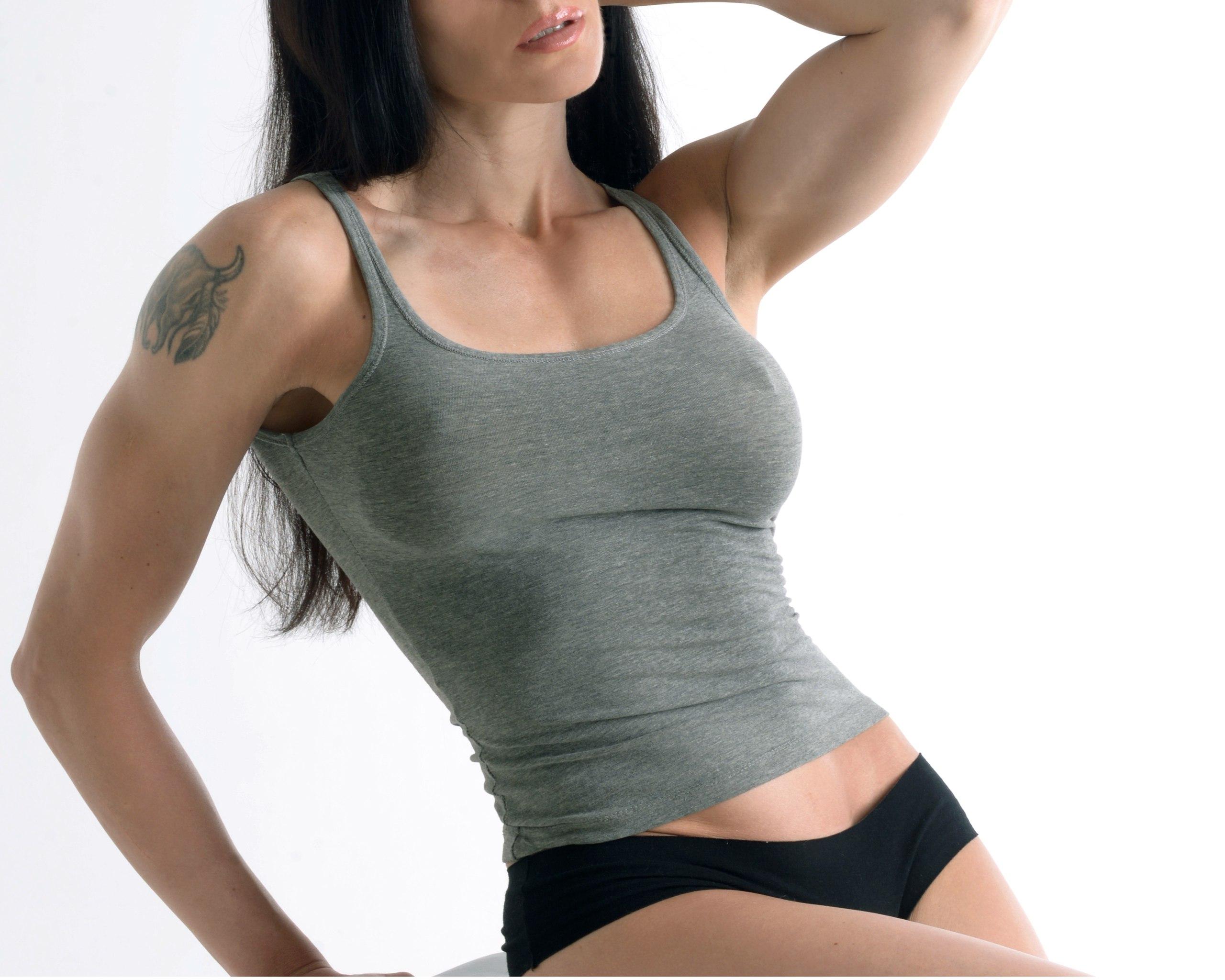 Отек груди после операции по ее увеличению
