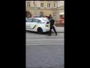 Львов.22 мая,2016.Голый на улицах города с битой.Захват полицией.