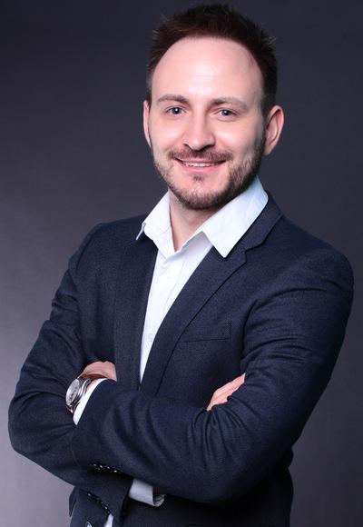 Михаил Старов