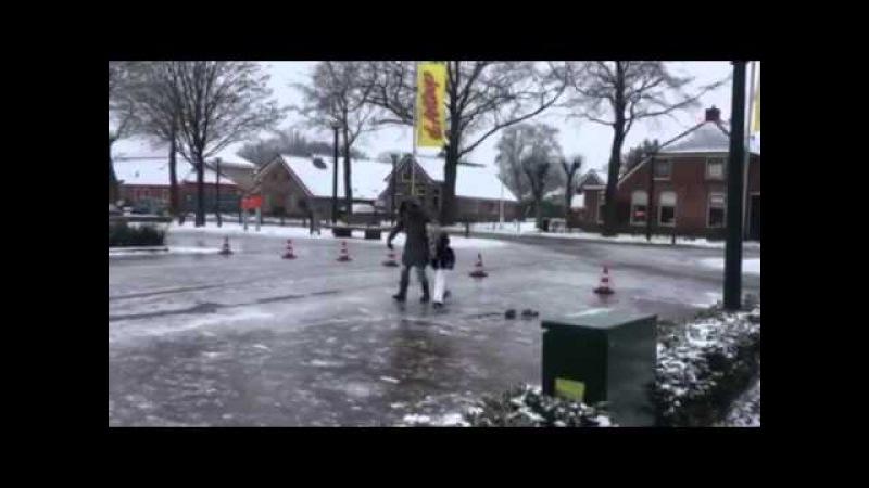 Schaatsen op straat Ijzel 2016 Drenthe deel 2