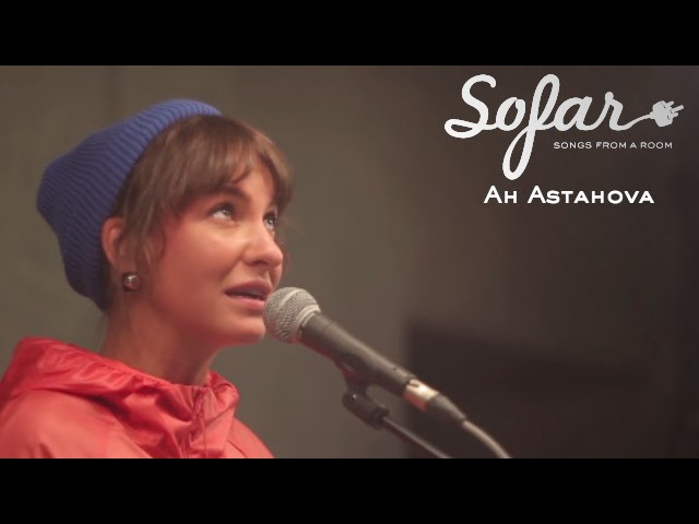 Ah Astahova - Любите людей за поступки | Sofar St. Petersburg