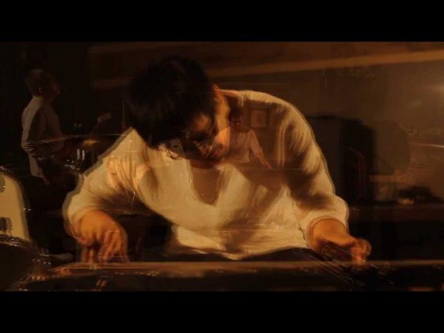 Zhaoze -The World Is A Blue Stone MV 沼泽乐队-世界是块忧伤的石头 MV