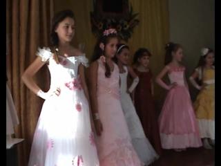 Міні- міс школи 2012)