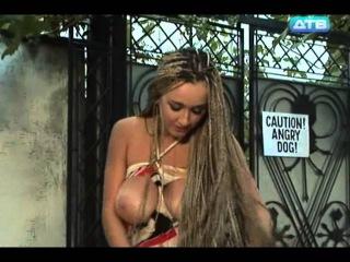 golie-i-smeshnie-translyatsiya