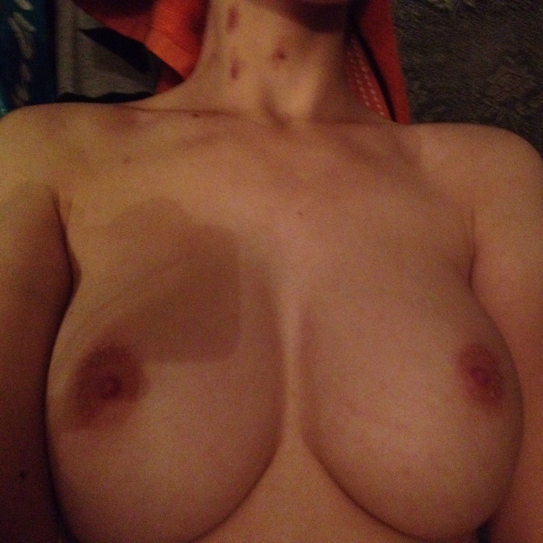 Wife riding her husbands large pounder