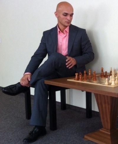 Рустам Тураев