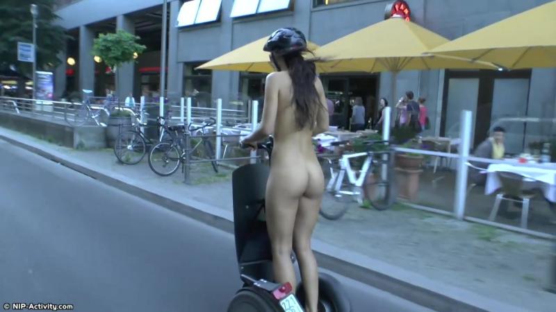 Lauren Nude in Public 4