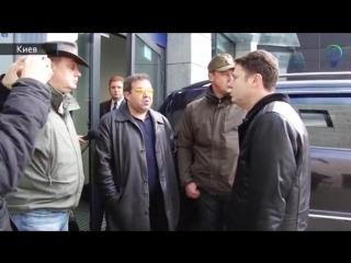 Автомайдан захотел и заблокировал НСК Олимпийский потому что он майдан а все остальные никто