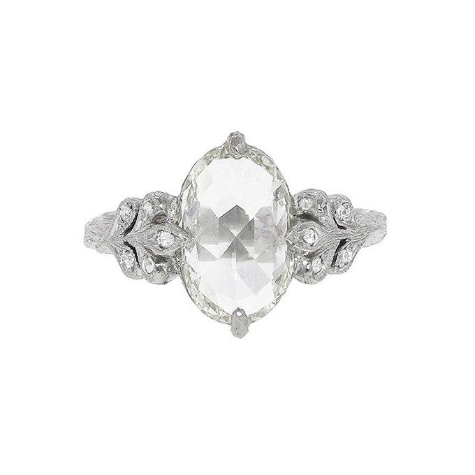 lKX0cxNj9Bw - Королевские овальные обручальные кольца (30 фото)
