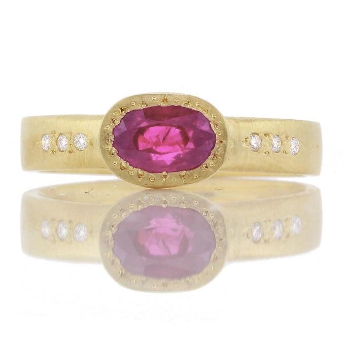 QZwiJnd81RA - Королевские овальные обручальные кольца (30 фото)