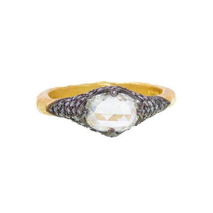 M9QBFoNswoI - Королевские овальные обручальные кольца (30 фото)