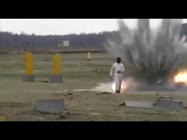 Взорвали девушку (девушка терминатор,)