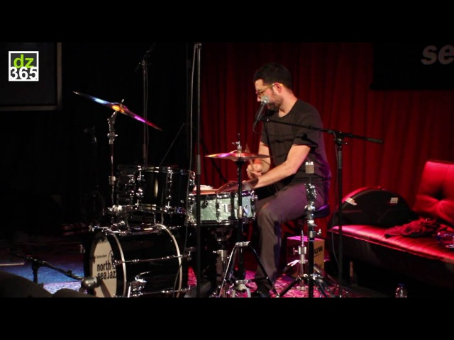 Mark Guiliana - the 7 drum sounds exercise