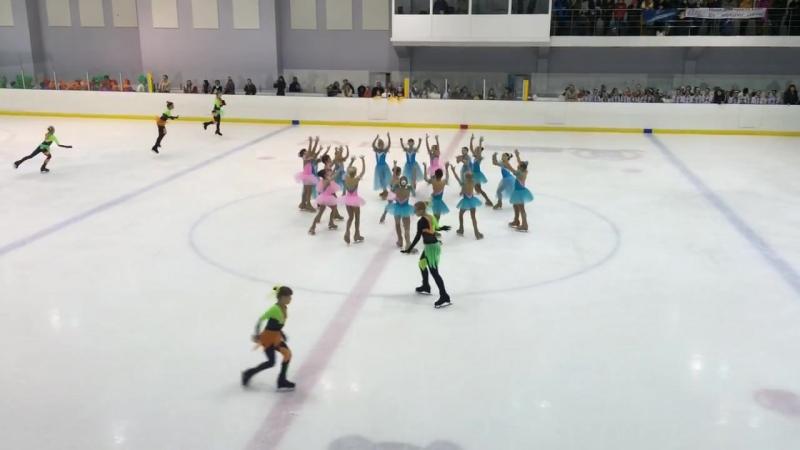 Танцевальный коллектив на льду «Томилино». Сказка волшебства » Freewka.com - Смотреть онлайн в хорощем качестве