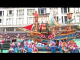 Shawn Mendes on the Macys Thanksgiving Day Parade performing Stitches