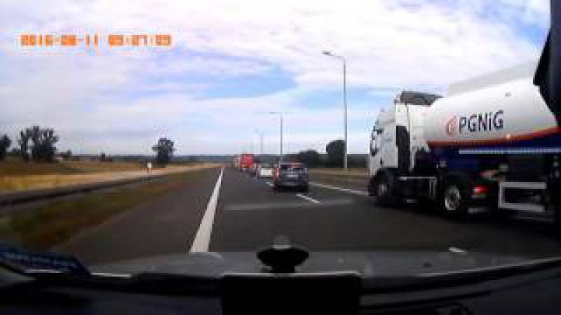 Potężny wypadek dwóch ciężarówek na obwodnicy