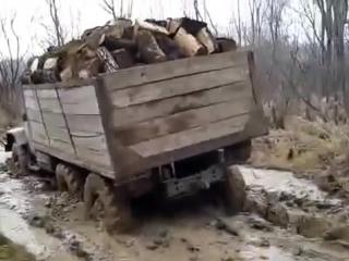 Доставка дров из леса ЗИЛ 131, в плохую погоду !