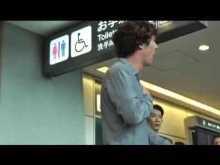 Бенедикт Камбербэтч прибыл в Японию _ Benedict Cumberbatch arrives in Japan on J