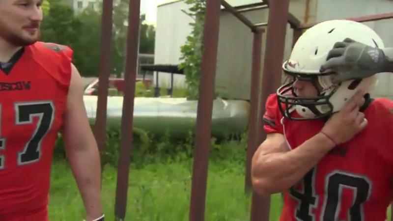 Американский футбол против водомета. Football players vs firehose