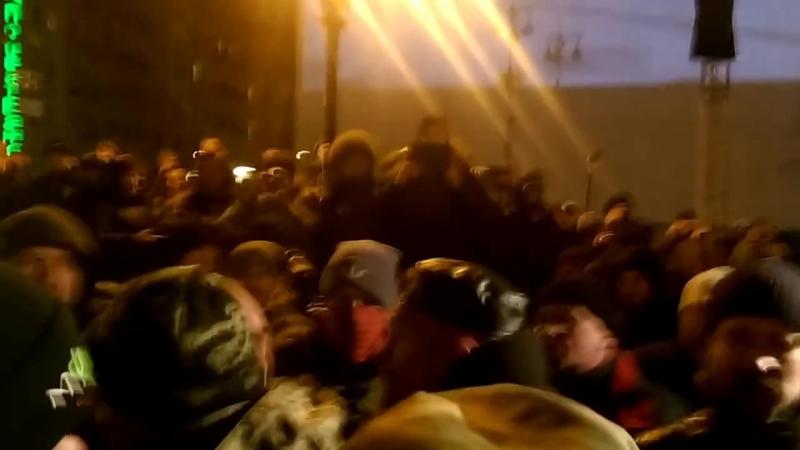 Провокації радикалів на Майдані.20.02.2016 р