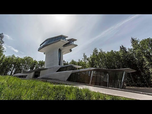 Norman Foster on Zaha Hadid's extraordinary Capital Hill Residence