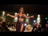 Aziza of Cairo dançando no Ahla Salamat 2016