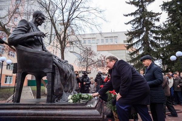 В Саранске открыли первый в России памятник философу Бахтину