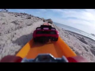 Пляжные гонки: Hot Wheels