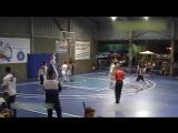 15-летний баскетболист с ростом 2.29 не замечает соперников (6 sec)