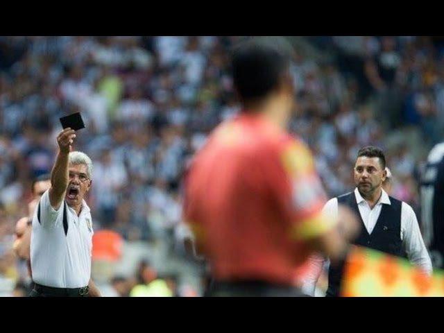 Tuca Ferreti le sacó la cartera al árbitro por vendido - Monterrey vs Tigres 1-2 Liga MX 2016