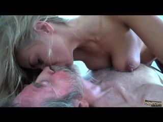 секс фото дед соблазнил внучку