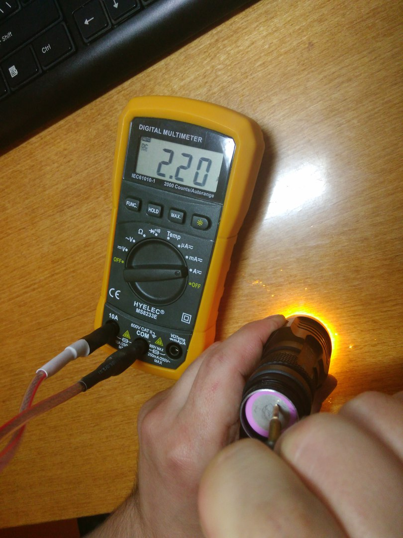 Aliexpress: Много батареек 18650 и зарядка для их отжима