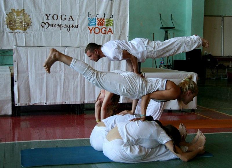 Мастера йоги зачаровали харьковчан (ФОТО, ВИДЕО)
