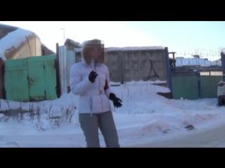 Маздаводка-беспредельщица Леночка разбушевалась, материт и бьет сотрудников полиции. Real video