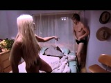 Корочный Отрывок из фильма Бруно   на свингер вечеринке в доме и Коэн выпрыгнул