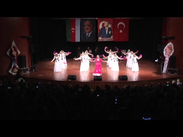 Nazlana-nazlana dansı/ Azerbaycan Kültür Derneği Halk Dansları Topluluğu/Solist:Reyhan Ünal Çınar