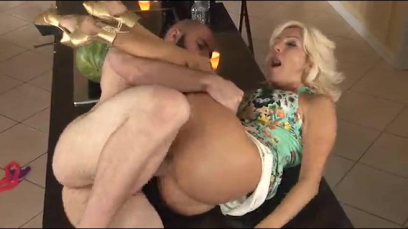 шлюха мама сексуальная